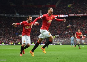 469479322-chris-smalling-of-manchester-united-gettyimages[2]